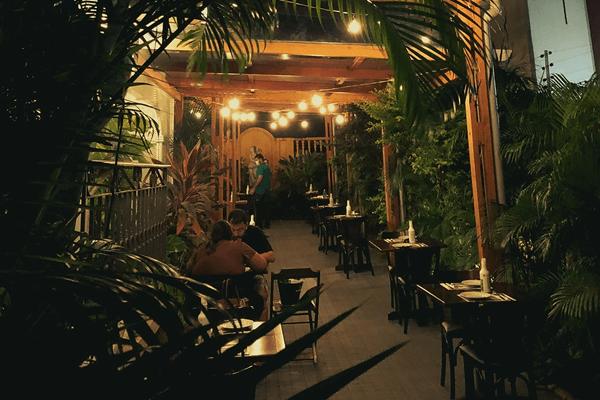 Jardim aberto Ça-vá Gastrobar